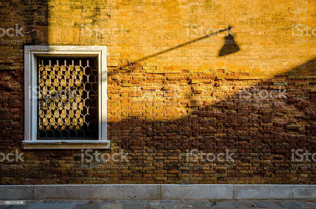Luce stradale ombra a Venezia foto stock royalty-free