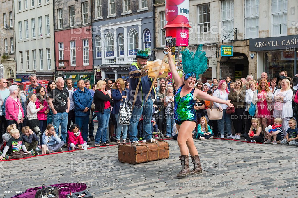 Street performer on the Royal Mile in Edinburgh stock photo