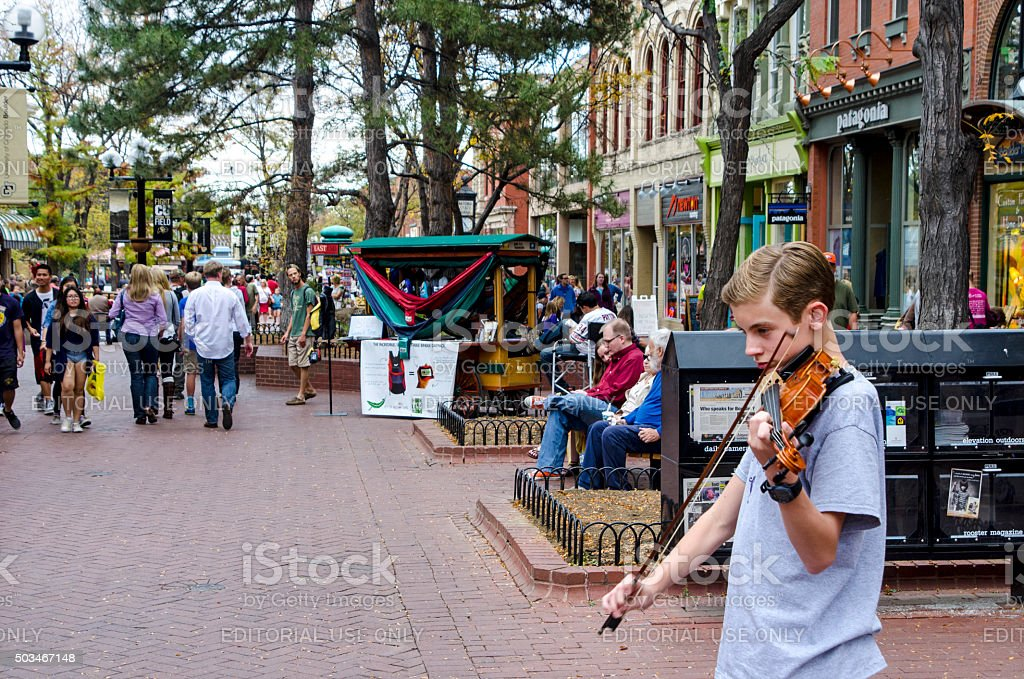 Street Performer: Pearl Street Mall in Downtown Boulder, Colorado stock photo