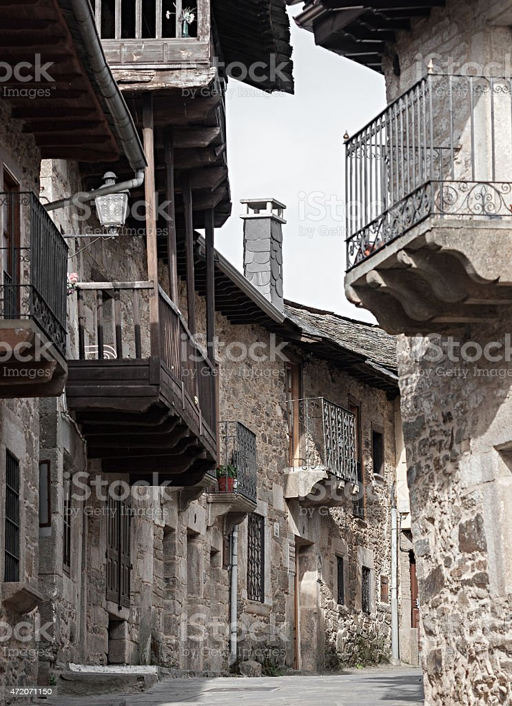 Rua Puebla de Sanabria, Zamora, Espanha foto royalty-free