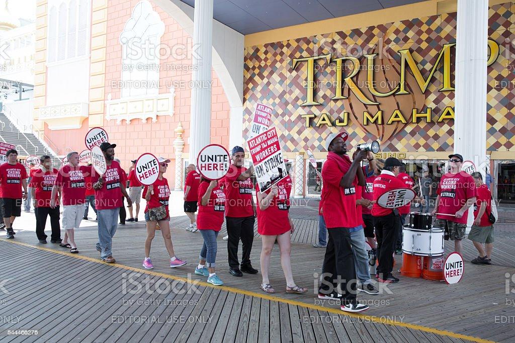 Striking workers picket in fromn of Trump Taj Mahal Casino stock photo