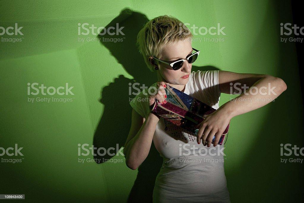 Elegante mujer brillante y accesorios foto de stock libre de derechos