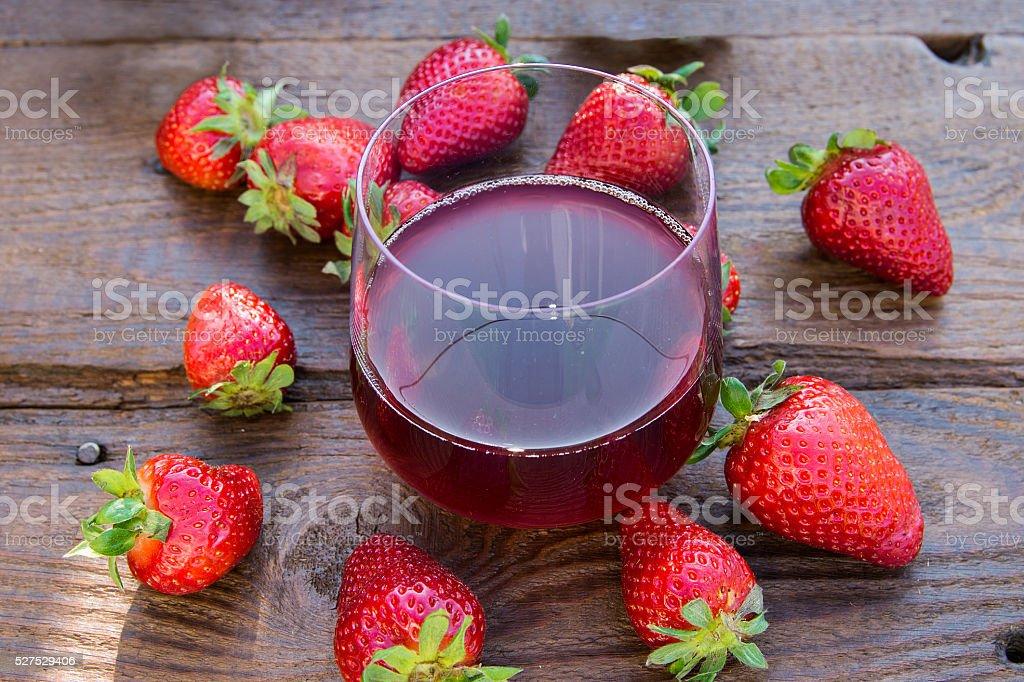 Succo di fragola e fragole stock photo
