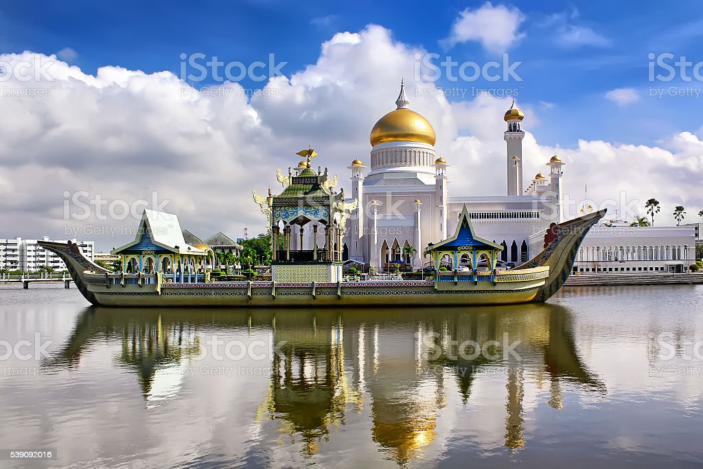 Sultan Omar Ali Saifudding Mosque, Bandar Seri Begawan, Brunei, stock photo