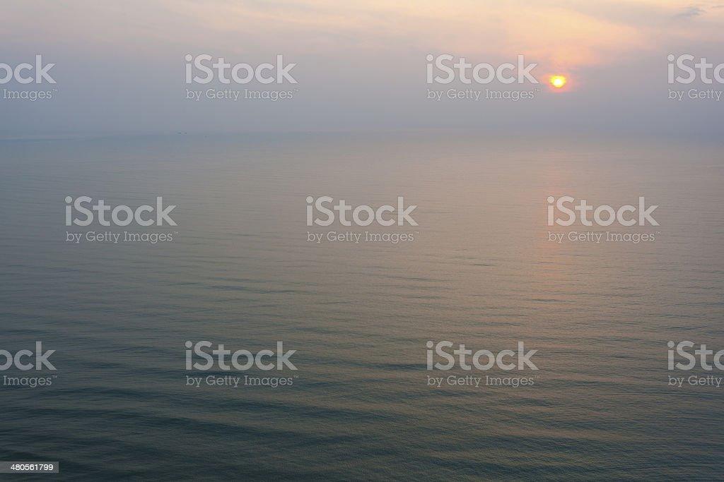 Sumrise auf das blaue Meer Lizenzfreies stock-foto