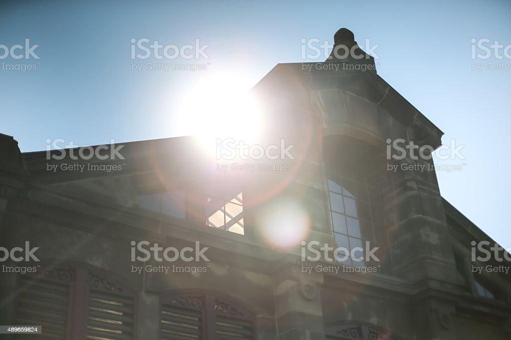 Sunflare en el mercado para Colmar foto de stock libre de derechos