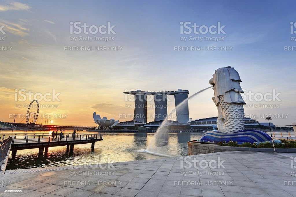 Sunrise at Singapore Merlion stock photo