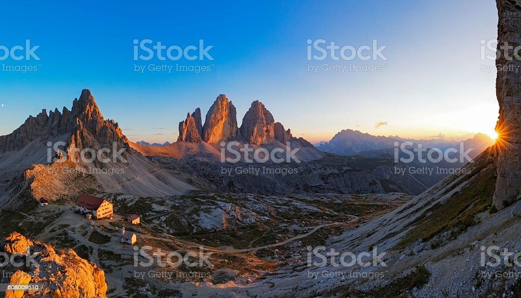 Sunset at Tre Cime, Dreizinnenhütte - Rifugio Antonio Locatelli, Alps stock photo