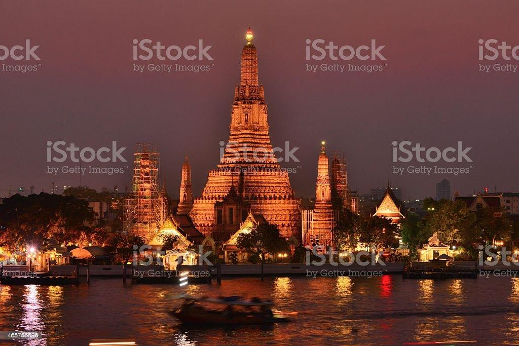 Sunset at Wat Arun (Temple of Dawn), Bangkok stock photo