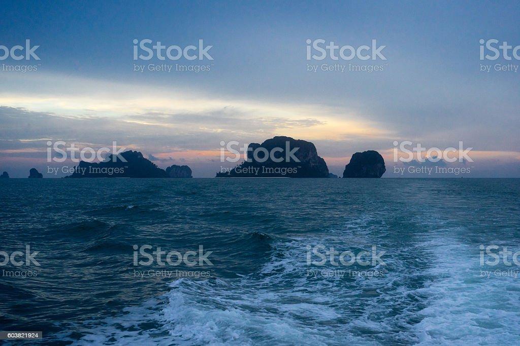 Sunset on islands in Andaman sea photo libre de droits