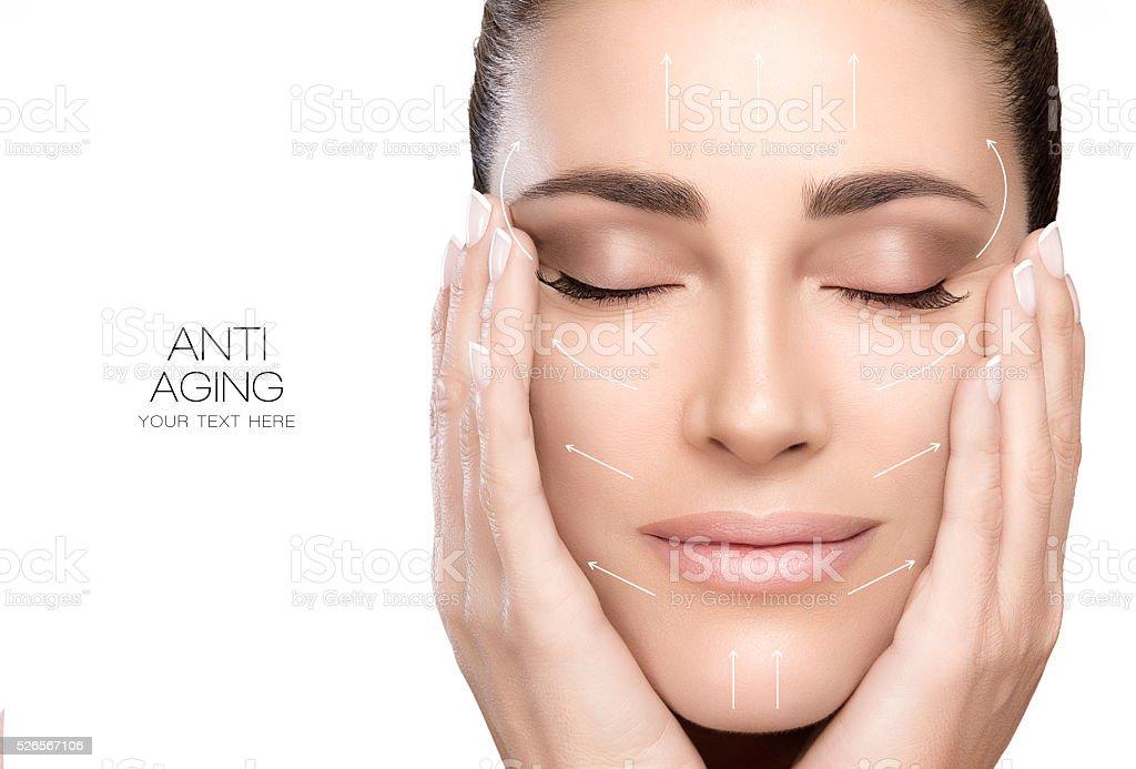 手術とアンチエイジングのコンセプトを表現します。スパの女性の美しさの顔 ストックフォト