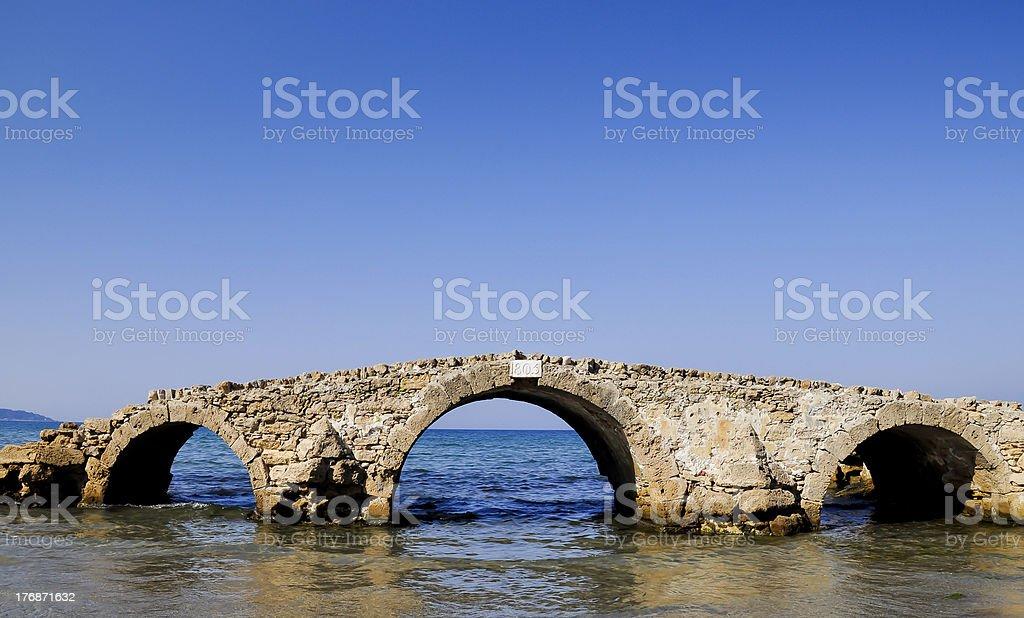 Surreal Meer-Brücke Lizenzfreies stock-foto