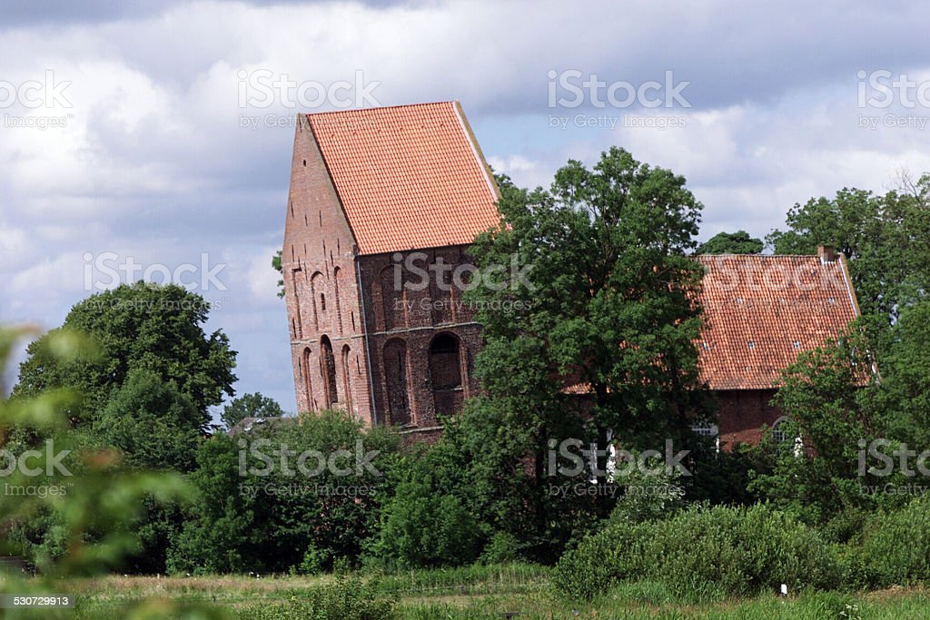 Suurhusen, schiefer Kirchturm - inclined tower stock photo