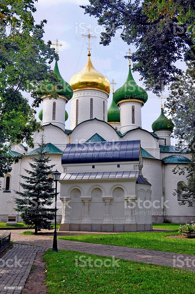 Suzdal. The temple and the tomb Pozharsky stock photo
