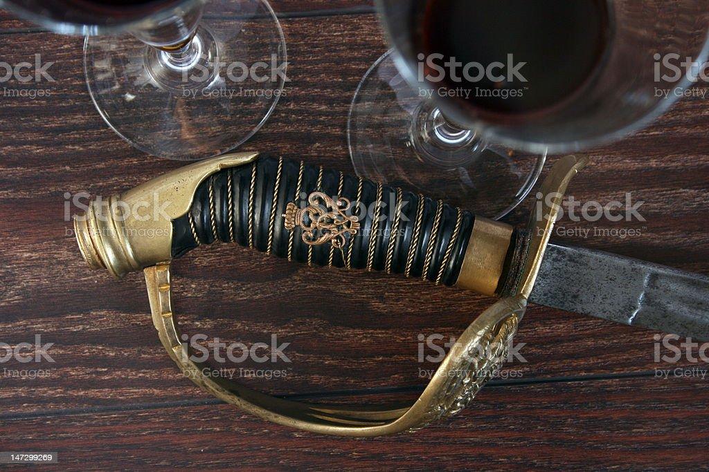 칼 및 글라스잔 테이블 위에 royalty-free 스톡 사진