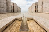 Symmetrical architecture of the Salk Institute fountain vanishing point