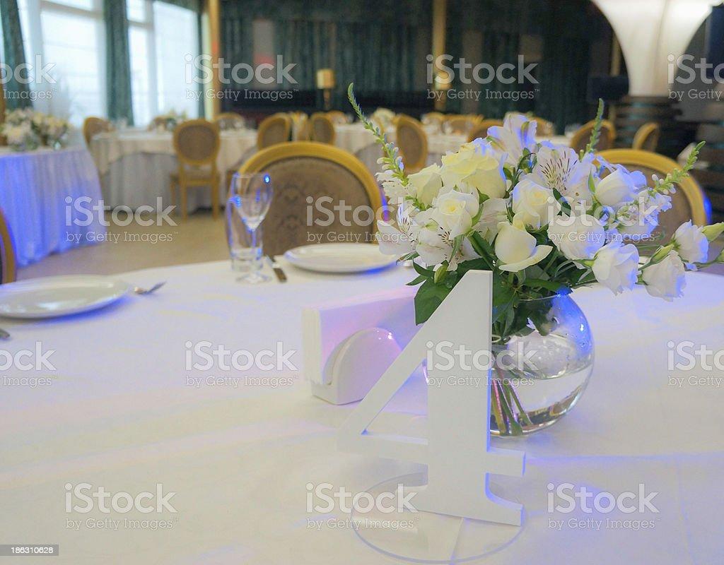 Tische mit Blumen Lizenzfreies stock-foto