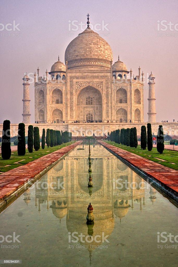 Taj Mahal bei Sonnenaufgang, Agra, Uttar Pradesh, Indien – Foto