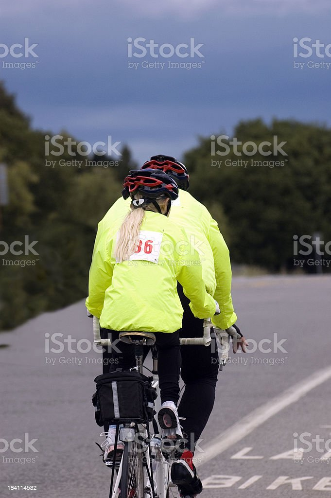 In Tandem ciclisti foto stock royalty-free