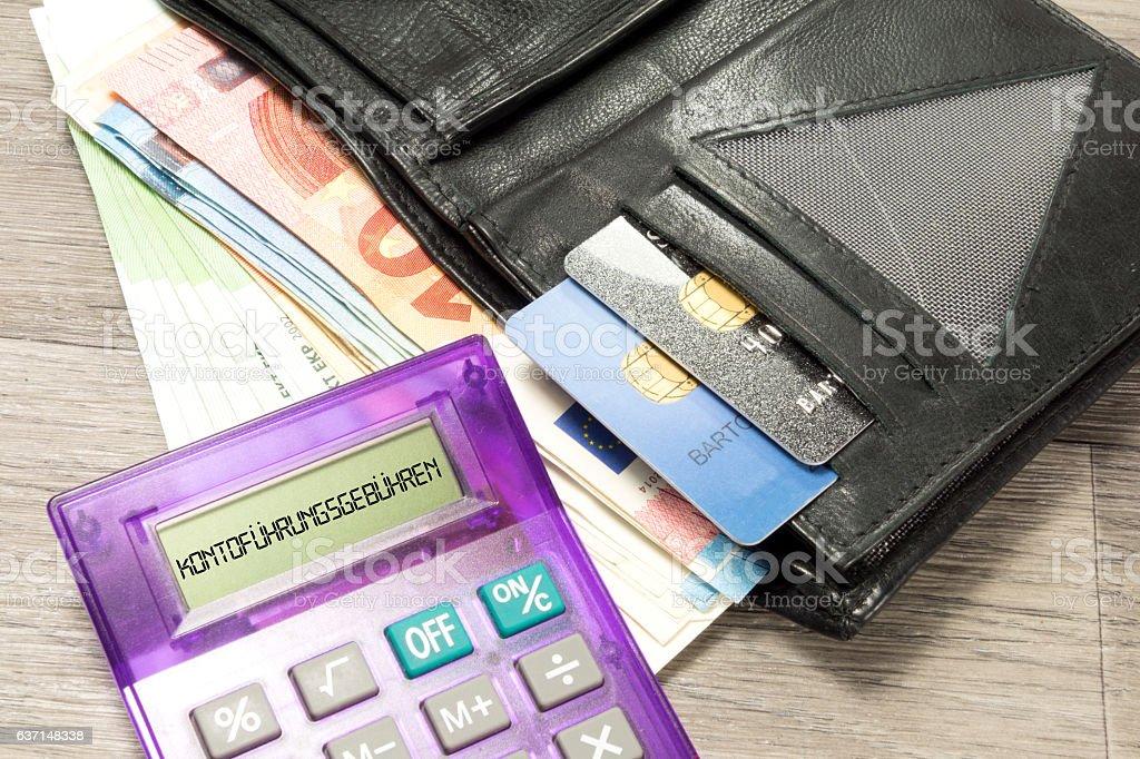 Taschenrechner und Kontoführungsgebühren stock photo