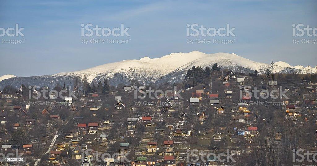 Tatra-Gebirge und Sommer-Häuser Bereich Lizenzfreies stock-foto