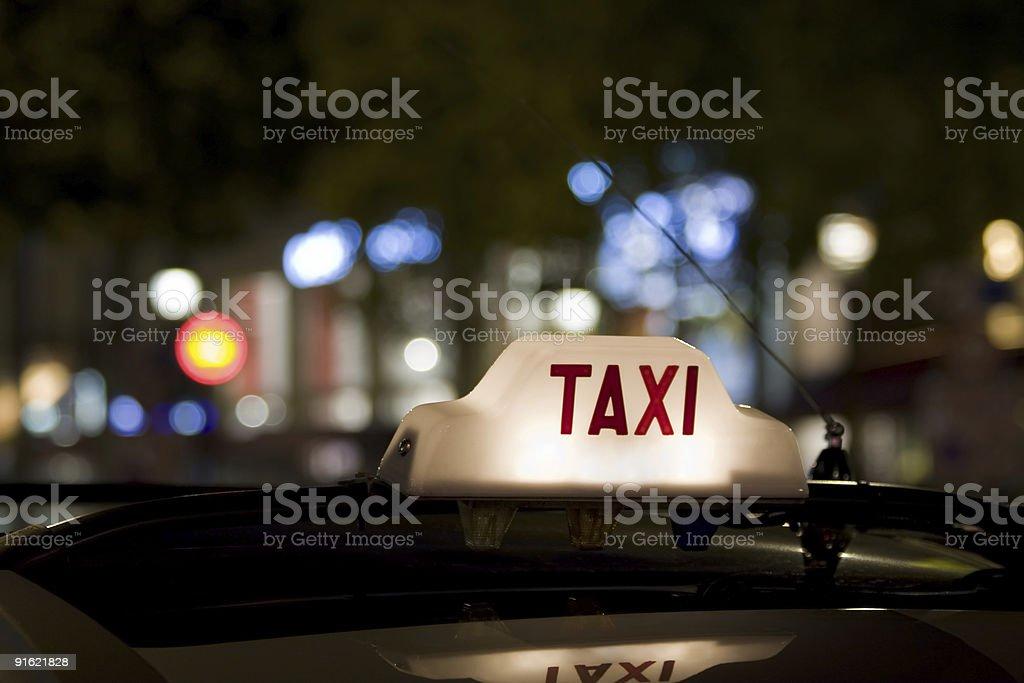 Знак такси на Крыша вагона Стоковые фото Стоковая фотография