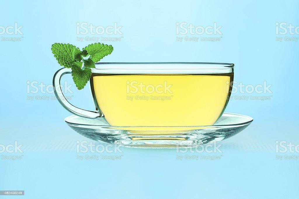 Thé avec un baume au citron photo libre de droits