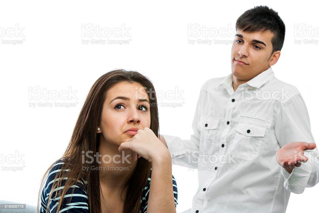 Teen couple ayant un désaccord. photo libre de droits