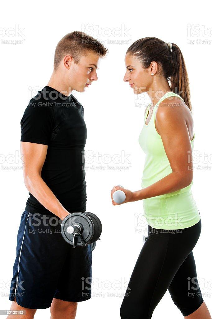 Teen couple ayant défi de remise en forme. photo libre de droits