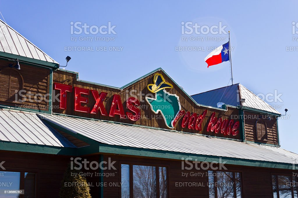 Indianapolis - March 2016: Texas Roadhouse Restaurant Location II stock photo