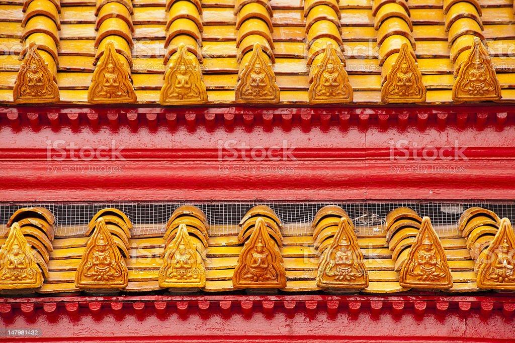 Tajski świątyni dachu Wat Benjamaborphit Mnich zbiór zdjęć royalty-free