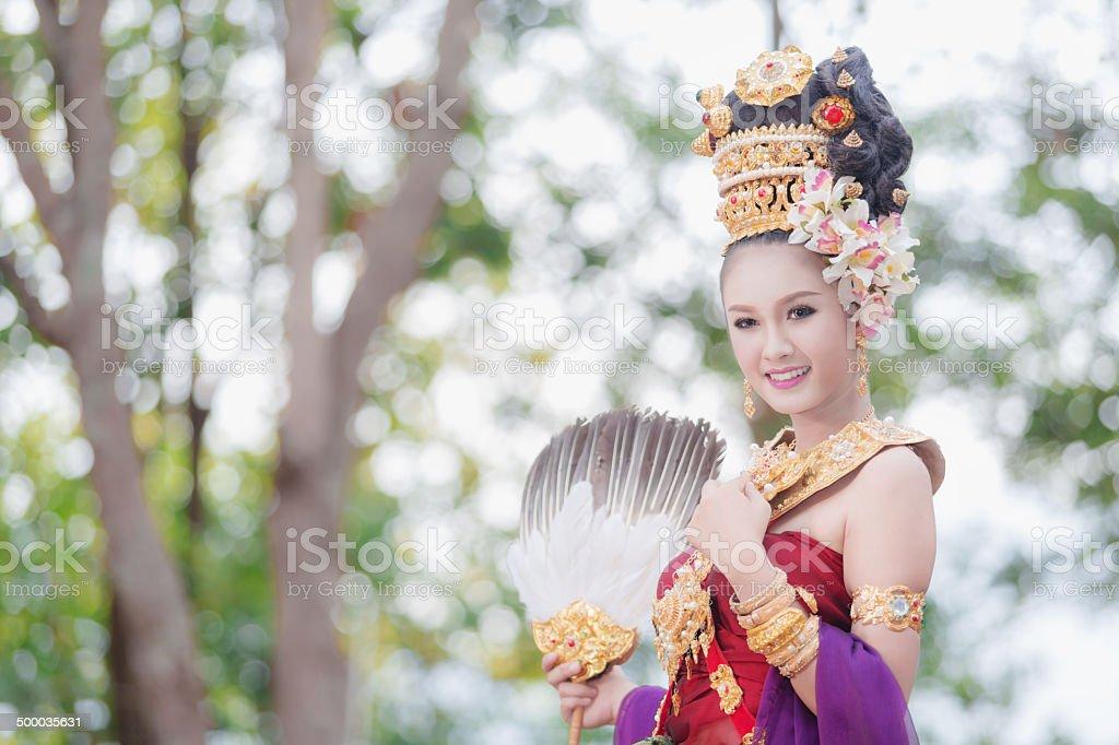 Thai-Mädchen mit amerikanischer style dress Lizenzfreies stock-foto
