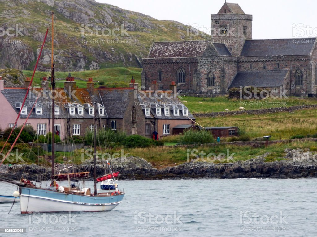 The Bay, the Abbey of Iona and Bishops House, Isle of Iona, Scotland stock photo