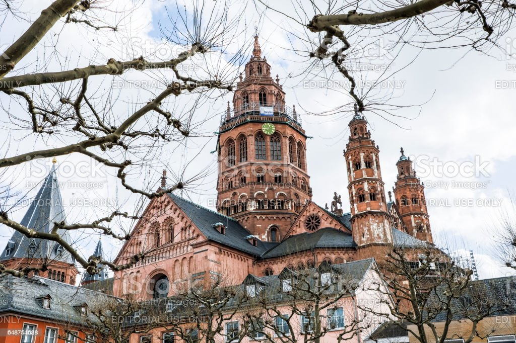 The Dom cathedral in Mainz has a blend of Romanesque, Gothic and baroque architecture stock photo