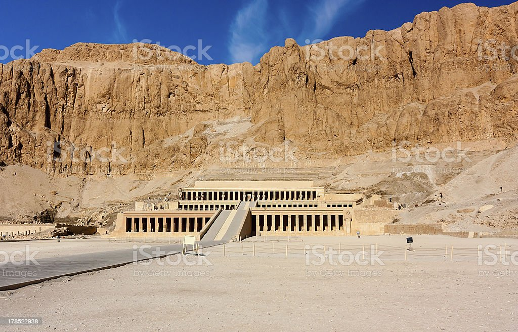 The entrance to Queen Hatshepsut'stemple in Luxor, Egypt royalty-free stock photo