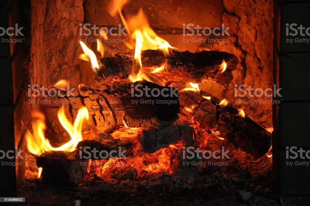 El fuego en el horno foto de stock libre de derechos