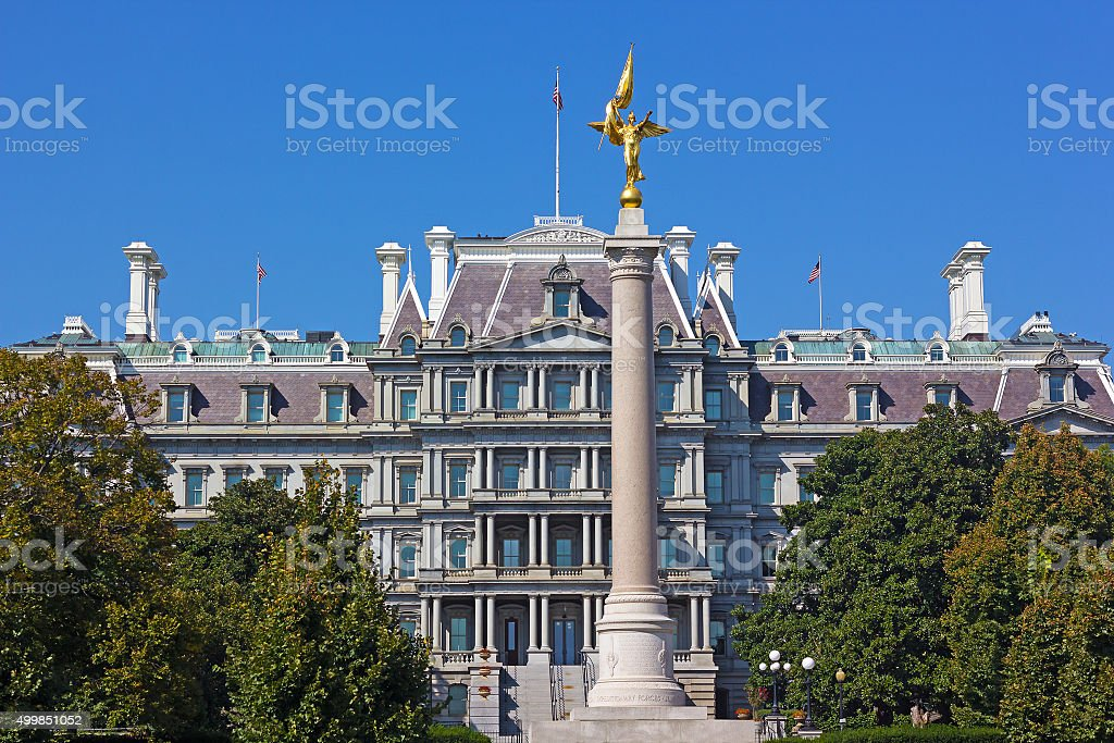 The First Division Monument and The Eisenhower Executive Office Building stock photo