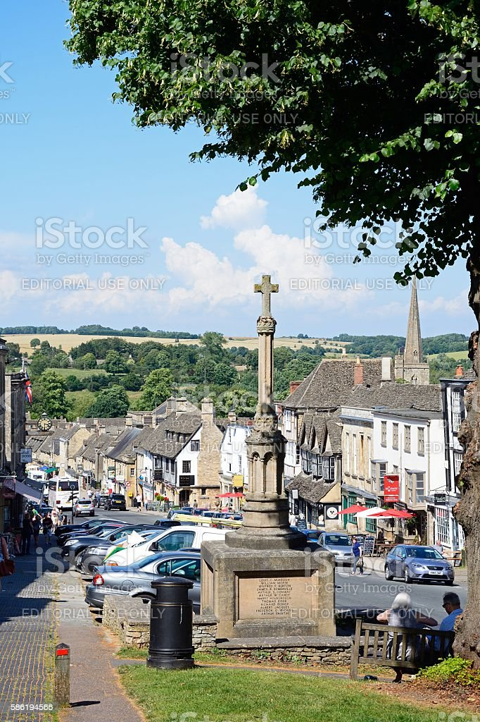 The Hill and war memorial, Burford. stock photo