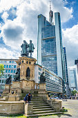The Johannes Gutenberg monument with Commerzbank Tower