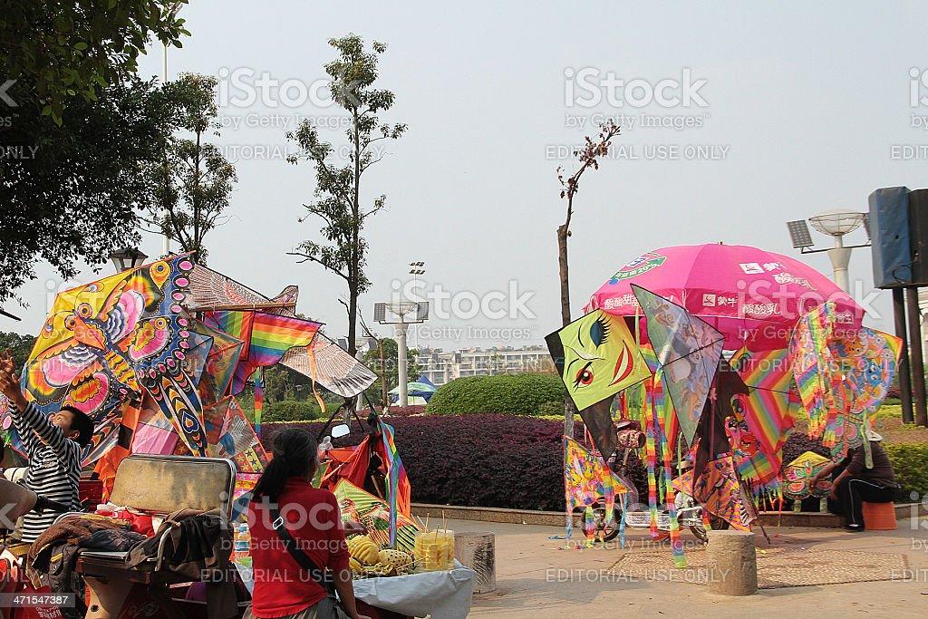 Il Kite venduti in Huángjīn guǎngchǎng/Golden Square, Cina foto stock royalty-free