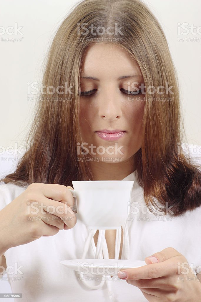 Z ładny Dziewczyna z kubek napojem zbiór zdjęć royalty-free