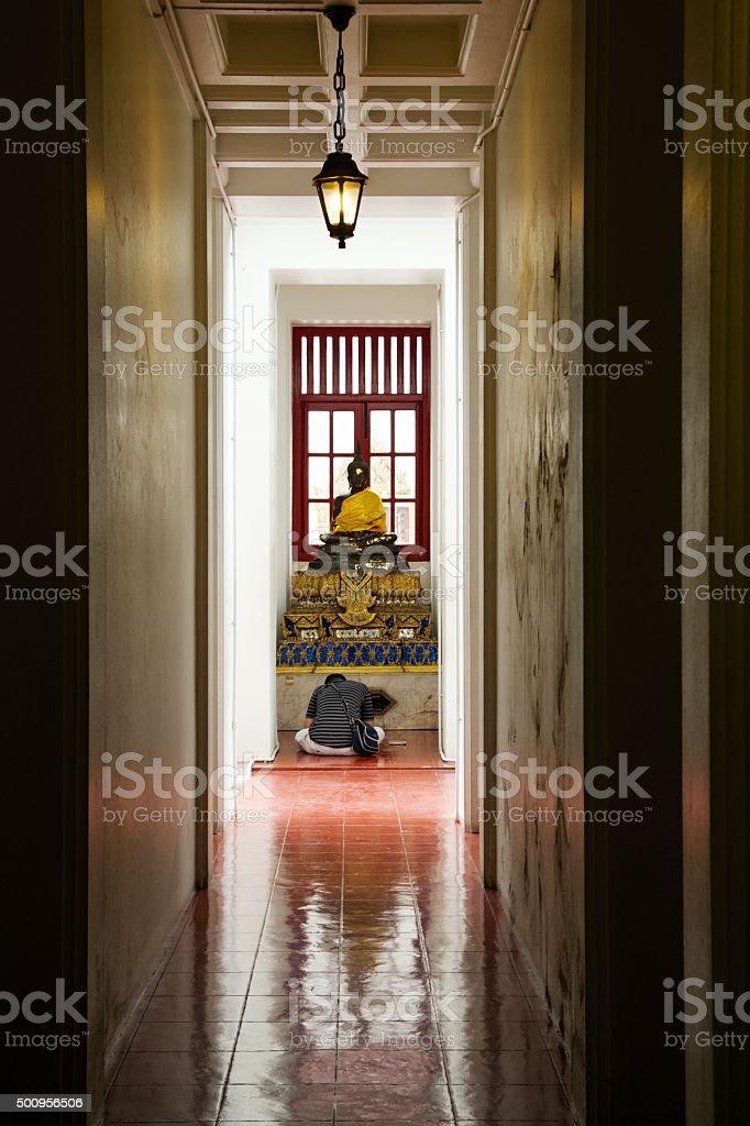 Der Gebet in Buddha Tempel, Bangkok Lizenzfreies stock-foto