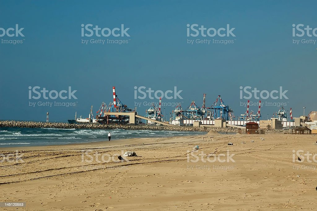 the sea and cranes royalty-free stock photo