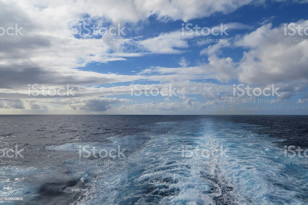 Le bateau s Wake photo libre de droits