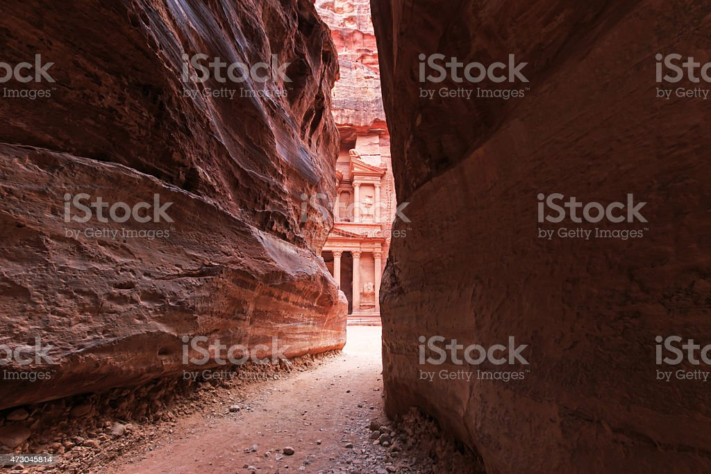 The Siq leading up to the Trausury in Petra, Jordan stock photo