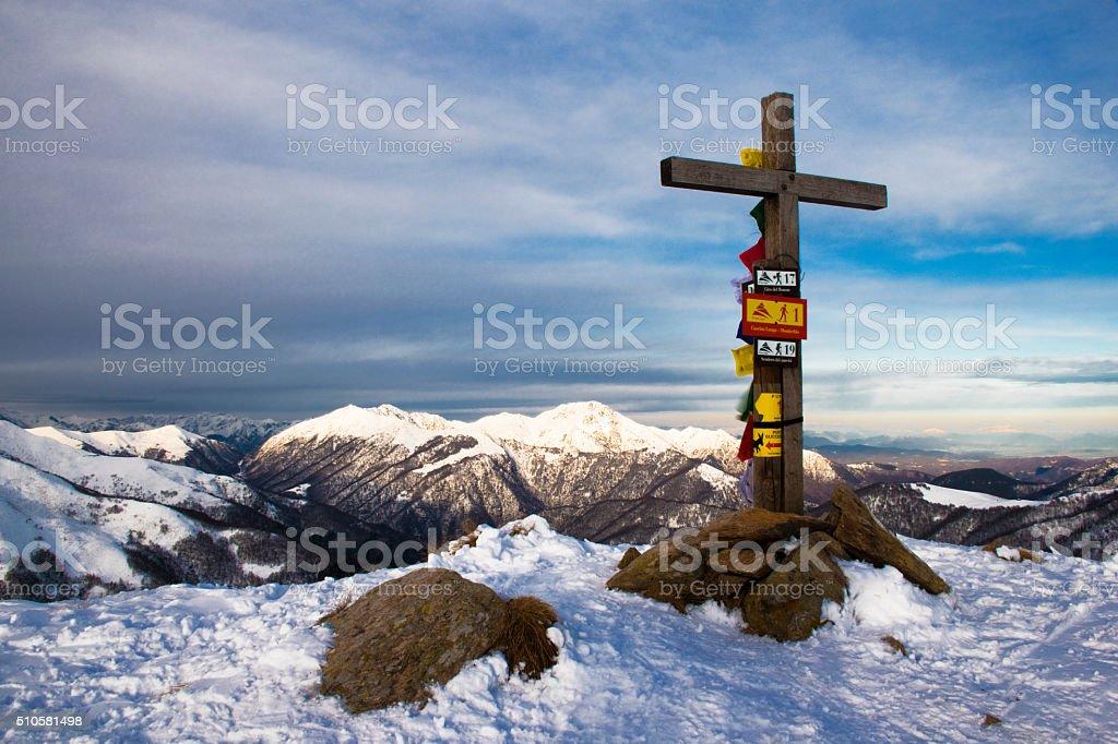 la croce di legno stock photo