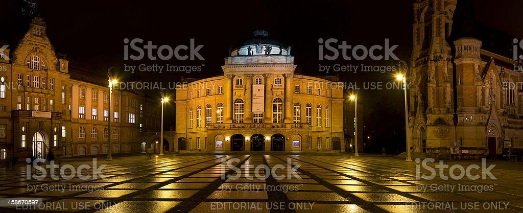 Theaterplatz und Kunstsammlungen Chemnitz bei Nacht stock photo