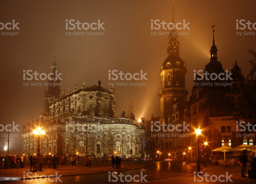 Theatherplatz und Hofkirche in Dresden stock photo