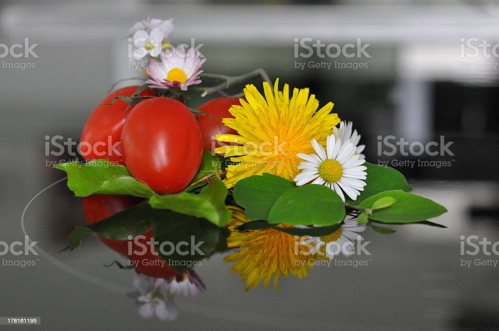 Tomate Butterbluhme G?nsebl?mchen _tomato buttercup marguerite 130520 (27) stock photo