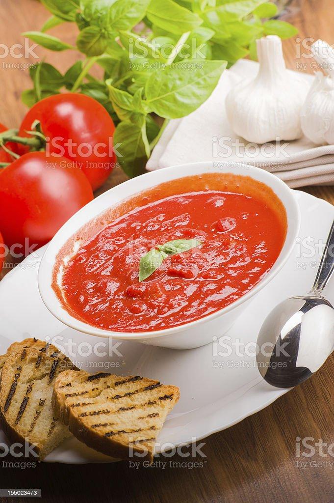 Tomato sauce - Ingredienti per sugo al pomodoro royalty-free stock photo